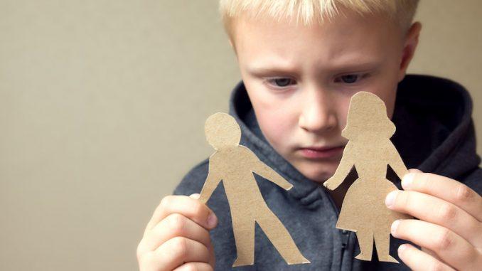 babası ikinci kez evlenen çocuklar, çocuk psikolojisi, annesi ikinci kez evlenen çocuk psikolojisi